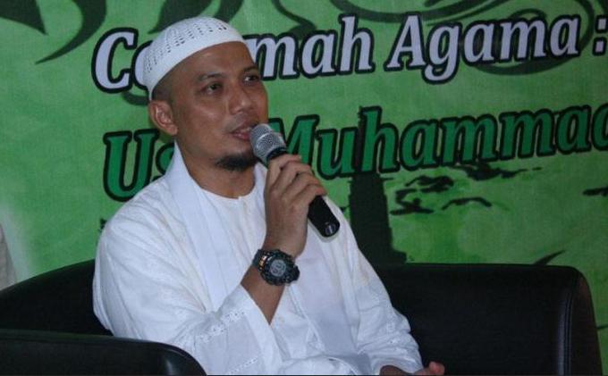 Terpukul Mendengar Kematian Ustaz Arifin Ilham, Opick: Indonesia Kehilangan Paku Bumi