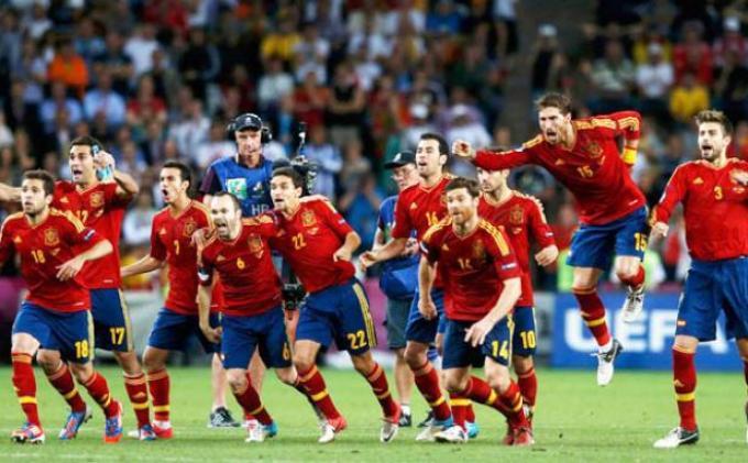 Lolosnya Spanyol ke Piala Dunia Redakan Gejolak Politik Pasca-referendum