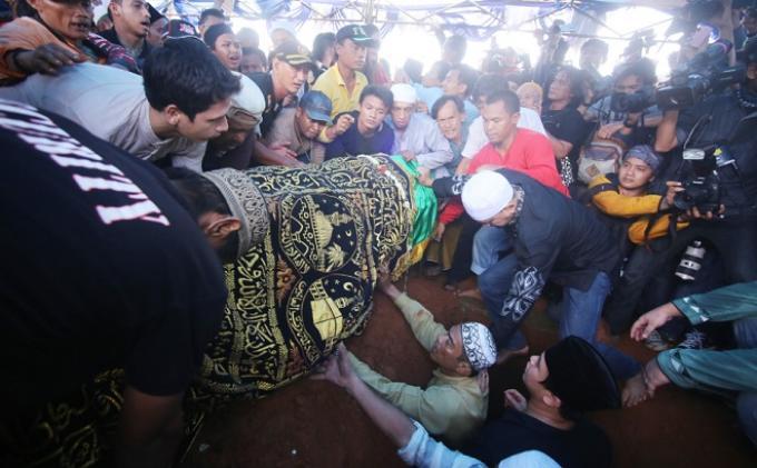 Camelia Malik Wajah Almarhum Olga Syahputra Bersinar Warta Kota