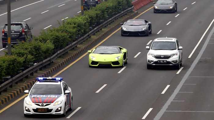 WOW Tunggakan Mobil Mewah di DKI hingga Rp 48.5 Miliar