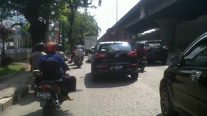 Pukul 10.30 Lalin  di Jalan Yos Sudarso Ramai Lancar