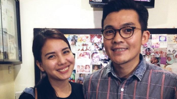 Tya Ariestya dan Irfan Ratinggang saat ditemui di Klinik Morula IVF Indonesia, Menteng, Jakarta Pusat, Senin (30/11/2015).