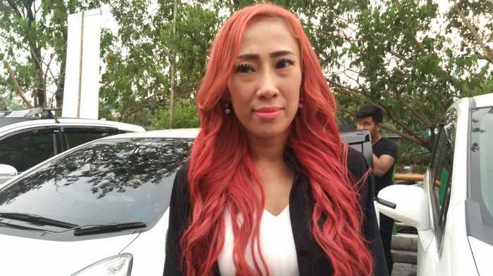 Dewi Sanca Jalani Perkenalan dan Pacaran Singkat dengan Sang Dokter Muda hingga Hamil Diluar Nikah