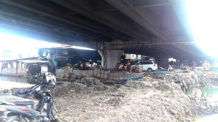 Ratusan Bangunan Kumuh di Kolong Tol Wiyoto Wiyono Penyebab Air Kali Ancol Kerap Meluap?