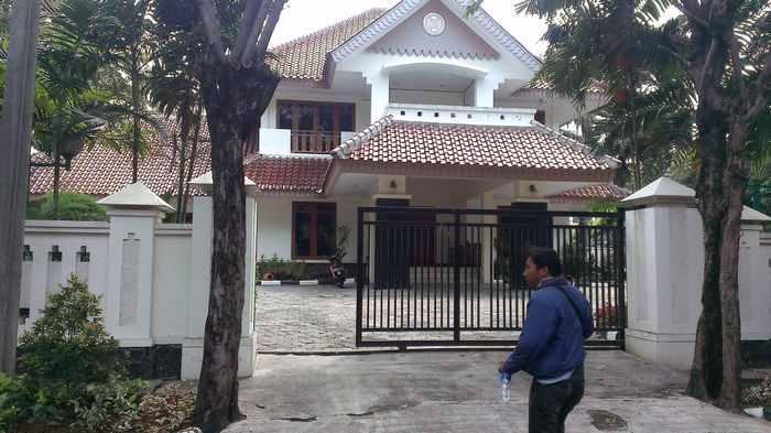 Rustam dan Istrinya Jarang Tempati Rumah Dinas di Kelapa Gading