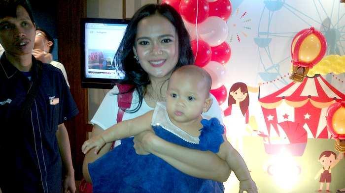 Demi Bercerai, Shezy Idris Sulitkan Suami Bertemu Anak