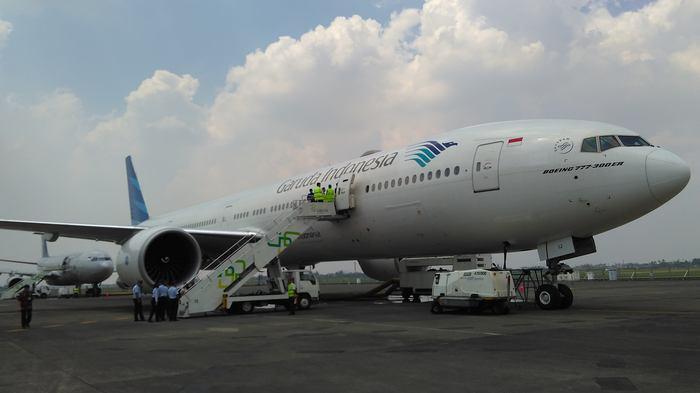 Garuda Tetap Terbangkan 10 Pesawat B777, Meski Boeing Minta Tangguhkan karena Insiden Mesin Terbakar