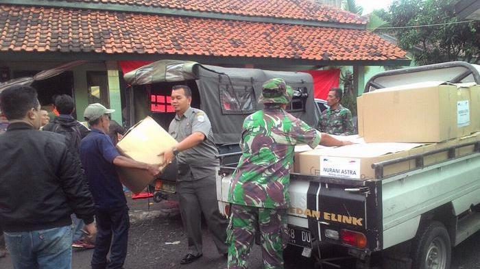 Astra Beri Bantuan Korban Banjir Bandang Garut