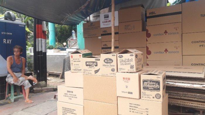 Bermodalkan 200 Ribu Penjual Kardus Bekas Bertahan Hingga 40 Tahun Warta Kota
