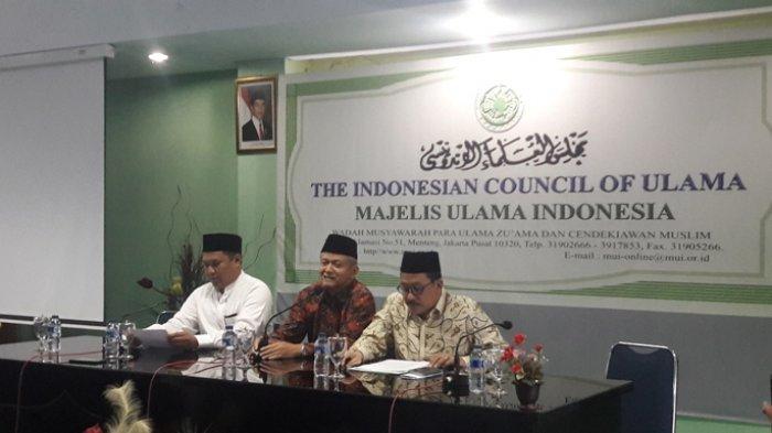 Sekjen MUI, Anwar Abbas, menyatakan pihak MUI secara resmi memanggil Rizieq Shihab untuk menanyakan terkait rencana Aksi Bela Islam Jilid III tanggal 2 Desember 2016 mendatang.