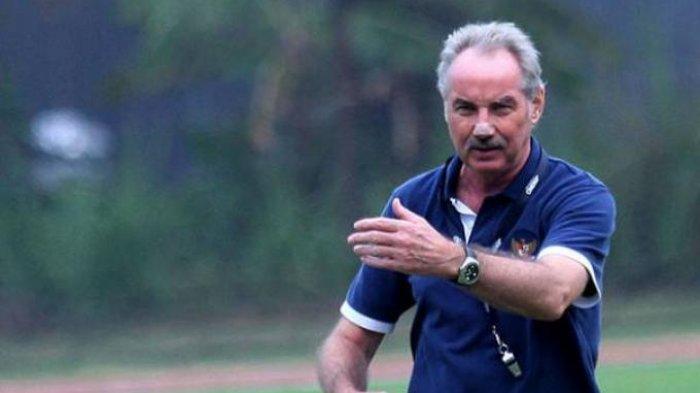 Alfred Riedl Belum Bergabung dengan Skuat Persebaya Surabaya Jelang Laga Kontra Bhayangkara FC