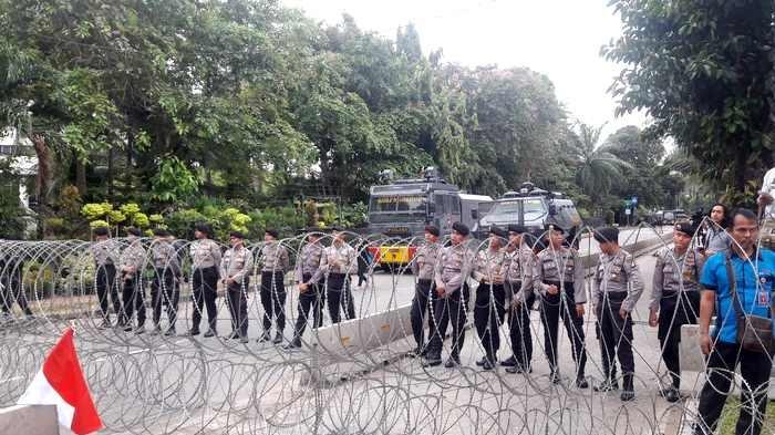 Polisi Kerahkan Ribuan Pasukan Jaga Sidang Ahok