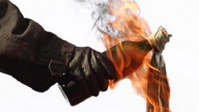 Pos Polisi Dilempar Bom Molotov, Ditemukan Kertas Berisi Ancaman dan Makian, Pelaku Terindentifikasi