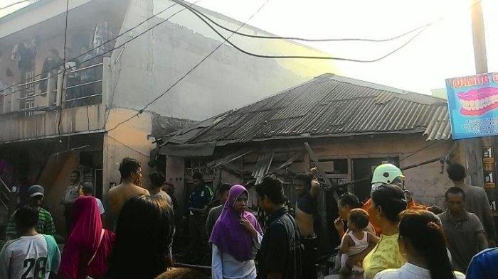Kebakaran Melanda Wilayah Padat Penduduk di Kawasan Muara Baru