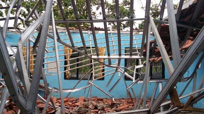 Siswa SMAN 1 Muaragembong Korban Atap Ambruk Diperbolehkan Pulang
