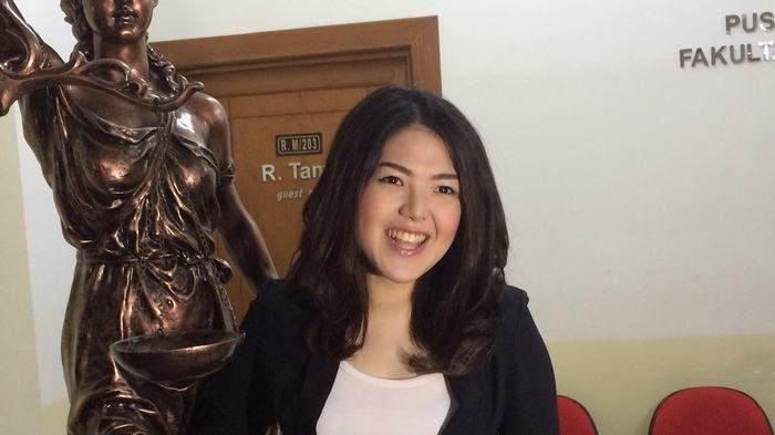 Sempat Deg-degan, Tina Toon Akhirnya Lulus S2 Hukum