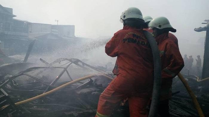 38 Bangunan Semi Permanen Terbakar, 168 Jiwa Terlantar