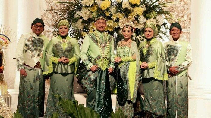 Pesta Perkawinan Spektakuler Ini Cerminkan Cinta Budaya Indonesia