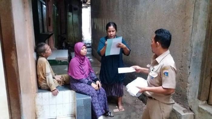 Pemkot Jaksel Terbitkan SP 1 Bagi Warga di Bantaran Ciliwung