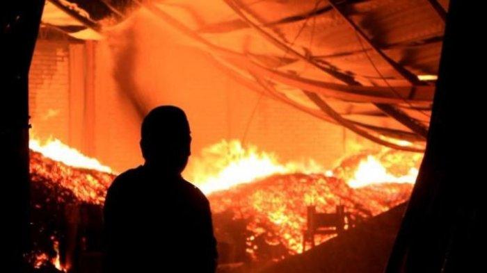 Api Kebakaran di Pabrik Wig Cilincing Berasal dari Kantin