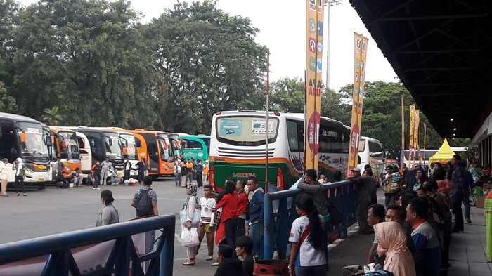 Hingga H-2 Terminal Kampung Rambutan Berangkatkan 40 Bus Tambahan