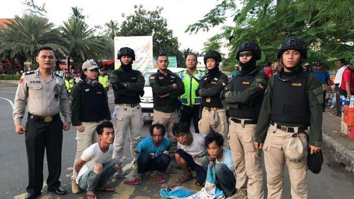 Empat Pria Ini Dibekuk Tim Tiger di Gerbang Utama Ancol, Palak Sopir Online