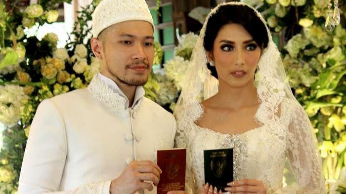 Tyas Mirasih dan Raiden Soedjono saat menikah 8 Juli 2017.
