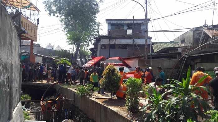 Pencuri Modus Kempes Ban Berhasil Ditangkap Saat di Selokan