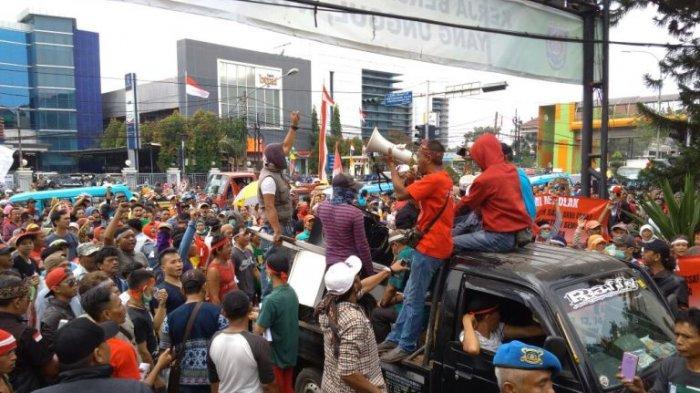Perwakilan Massa Demo Tolak SSA Walk Out, Karena Hanya Diterima Kadishub dan Kasatpol PP Depok