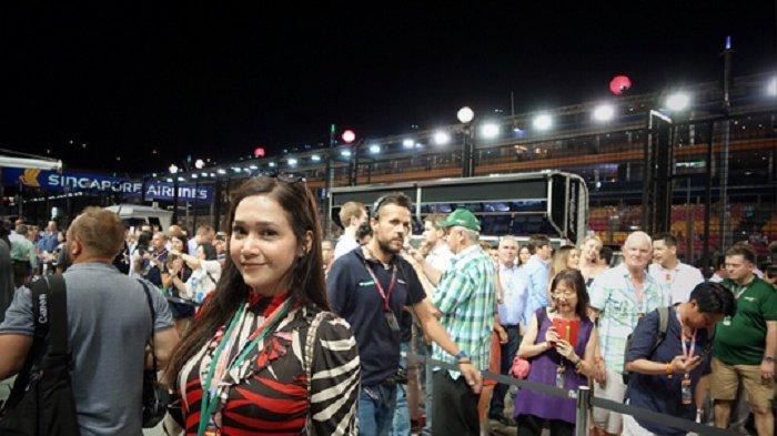 Wow, Pakaian Maia di Arena Balap F1 Ini Jadi Perdebatan Netizen, Kenapa Bunda Jadi seperti Ini
