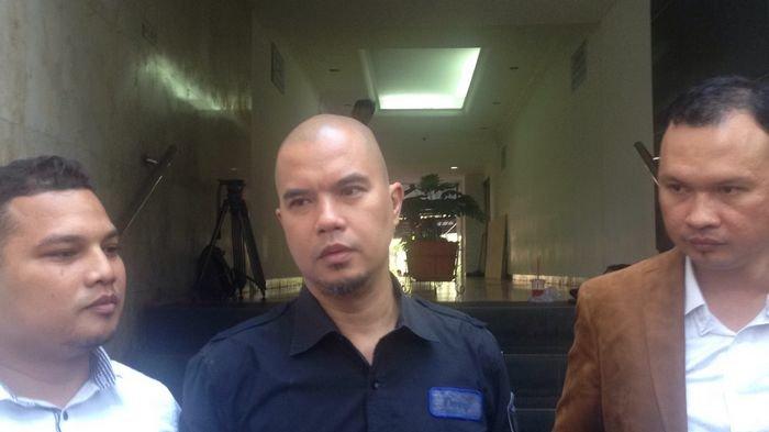 Ahmad Dhani Begadang di Polres Jakarta Selatan