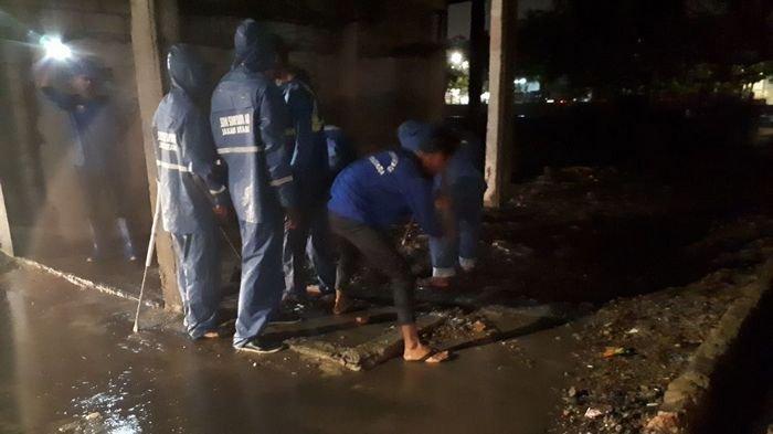 Katulampa Siaga Satu, 300 Pasukan Biru Disiagakan Antisipasi Banjir Jakarta Selatan