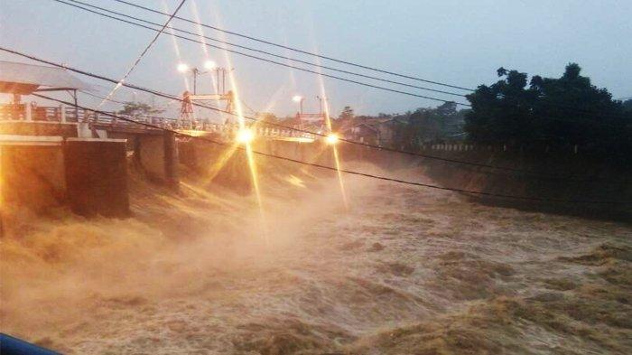 Waspada, Tinggi Muka Air Dua Pintu Air di Jakarta Selasa 15 Juni 2021 Status Siaga 2