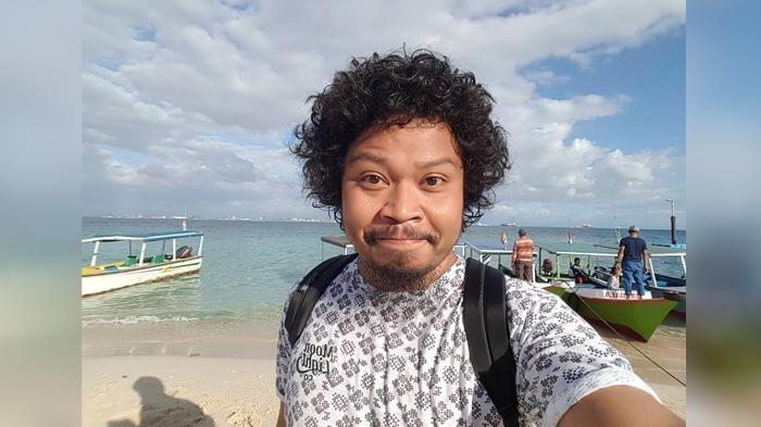 Istiqamah Djamad alias Is, vokalis Pusakata.
