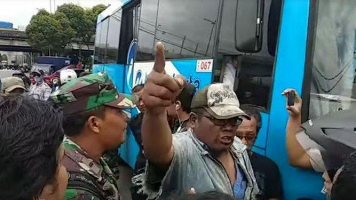 Puluhan Sopir Metromini di Fatmawati Gelar Protes Beroperasinya Transjakarta 1E