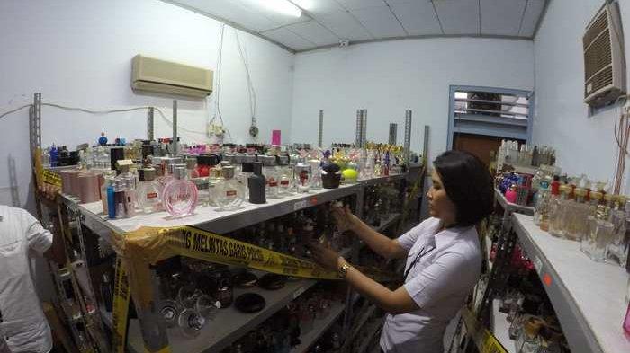 Inilah Ruangan yang Memproduksi Parfum Palsu Beromzet Rp 32 Miliar