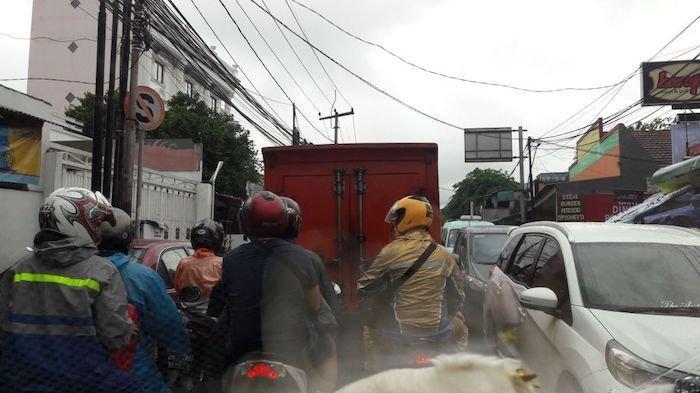 Pukul 08.20 Macet Parah di Kawasan Rawa Belong, Kendaraan Tak Bergerak