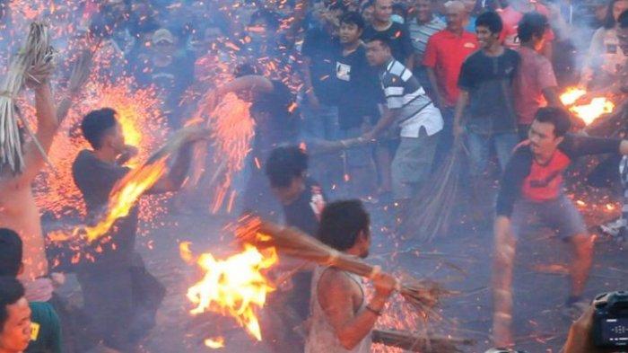 Perang Api di Lombok, Tradisi Sambut Nyepi Sejak 277 Tahun Lalu