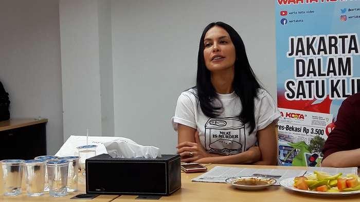 Sophia Latjuba ketika ditemui saat mempromosikan film 'Danur 2: Maddah', di Redaksi Warta Kota, Palmerah, Jakarta Barat, Selasa (27/3/2018).