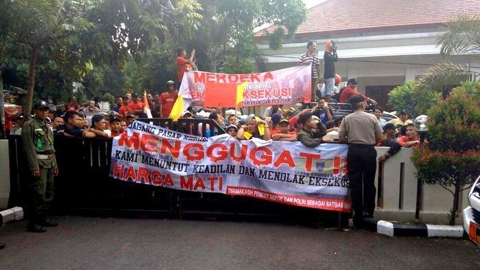 Eksekutif dan Legislatif Tekan PN Depok untuk Tunda Eksekusi Pasar Kemiri Muka
