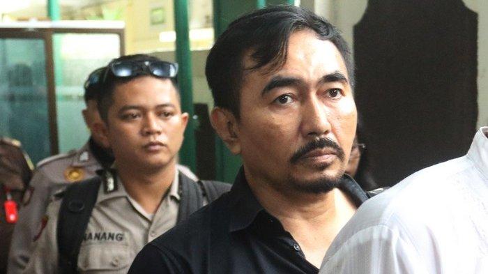 Gatot Brajamusti di Pengadilan Negeri Jakarta Selatan, Selasa (24/4/2018).