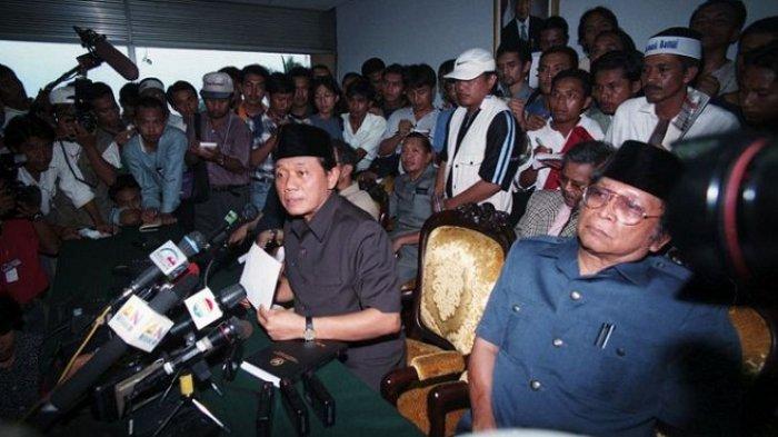 PROFIL Harmoko, Sosok yang Minta Soeharto Mundur, Meniti Karir Jurnalis, Politisi, hingga Menteri