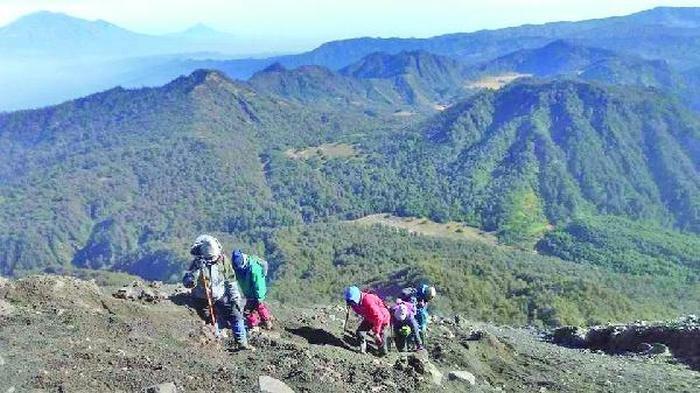 Simak Langkah Mewujudkan Rencana Pendakian Gunung Semeru Sambil Mengenang Gie