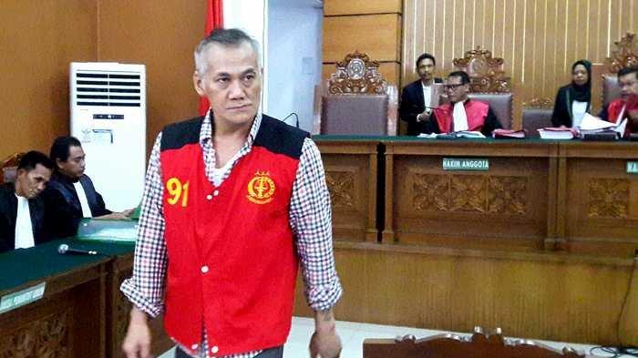 Tio Pakusadewo di Pengadilan Negeri Jakarta Selatan, Jalan Ampera Raya, Cilandak, Jakarta Selatan, Serin (4/6/2018).