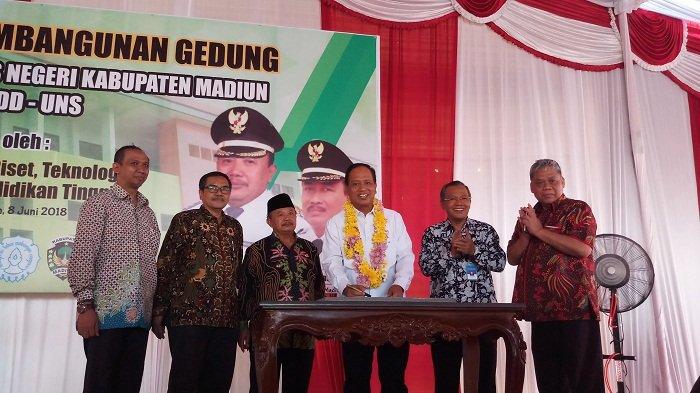 Menristekdikti Resmikan Gedung Akademi Komunitas Negeri Madiun