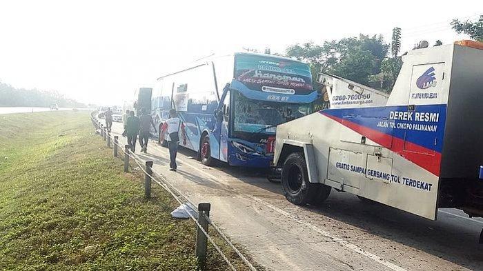Enam Kendaraan Penuh Penumpang Tabrakan Beruntun di Tol Cipali KM 181-800