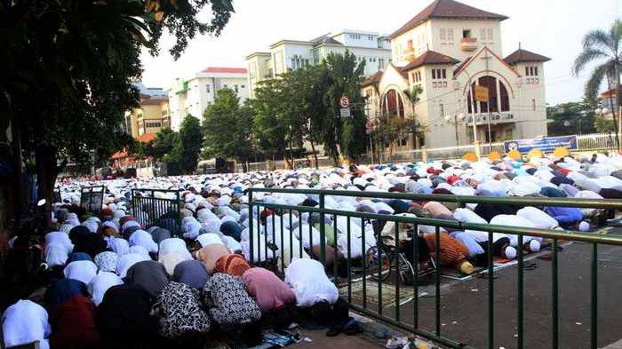 TIGA Isi Seruan MUI dan DMI DKI Jakarta Soal Salat Idul Fitri 1441 H,Warga Diimbau Mengikuti