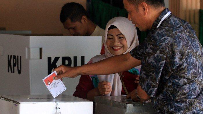 Warga Indonesia Datangi TPS di KBRI Lisabon untuk Nyoblos