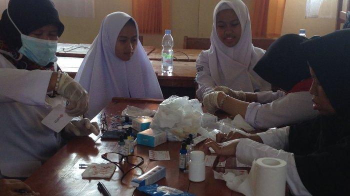 Ratusan Pelajar Baru di SMPN 2 Cisarua Dites Darah Guna Lengkapi Data