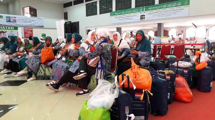 Inilah Tiga Calon Jemaah Haji Embarkasi Jakarta yang Tertunda Keberangkatannya